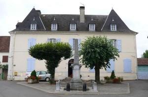 La mairie-école de Gurs d'architecture béarnaise