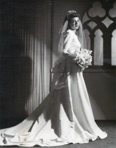 La mère de Monica, fille de Rosalia, fille de Adolfo